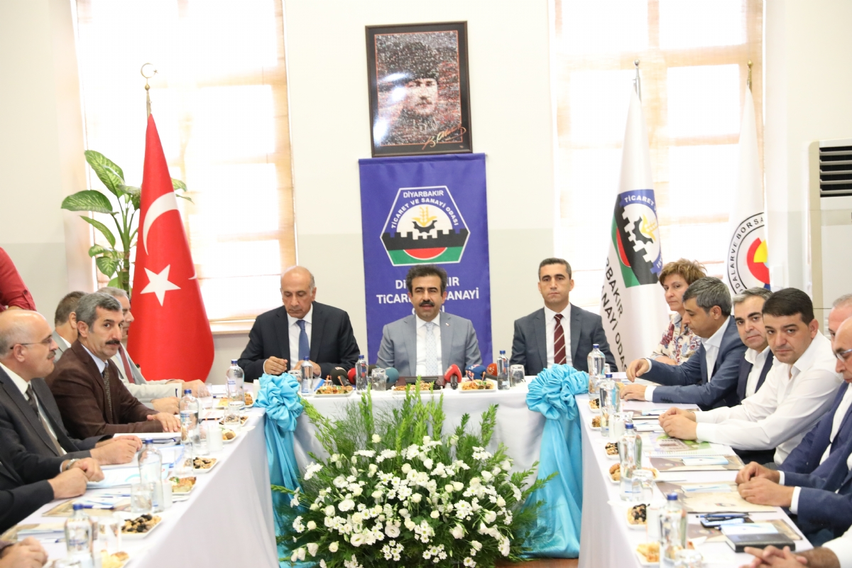 Diyarbakır'daki Yatırımların Son Durumu Ele Alındı