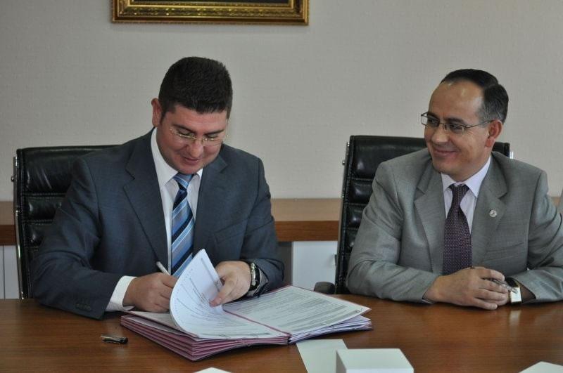 2011 Projeleri İçin İmzalar Atılmaya Başlandı