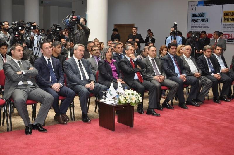 Diyarbakır'da Ortadoğu İnşaat ve Belediye İhtiyaçları Fuarı Açıldı