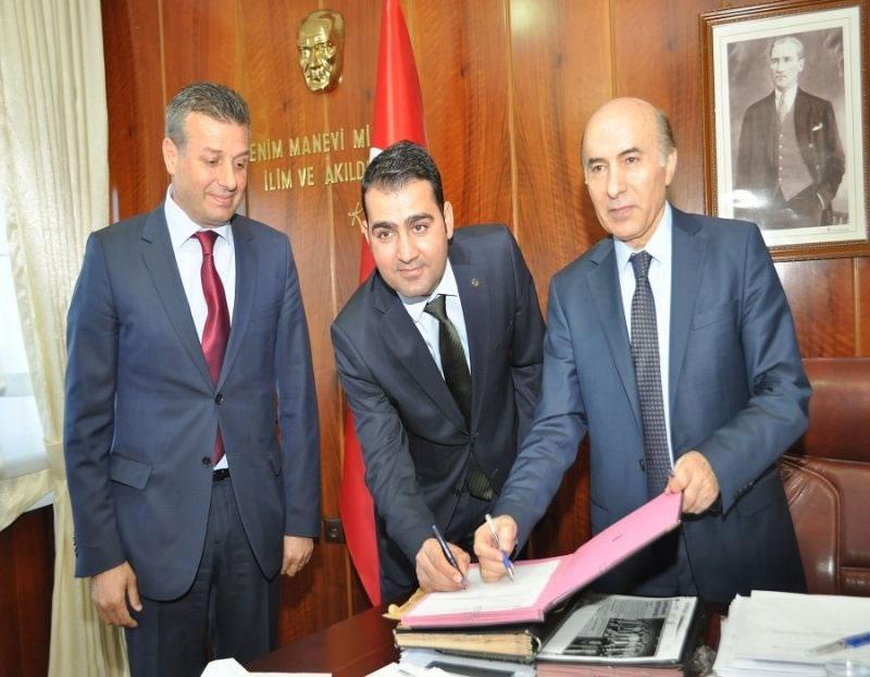 Diyarbakır'da Organik Etlik Tavuk Yetiştirilmesi İçin 'imzalar Atıldı'