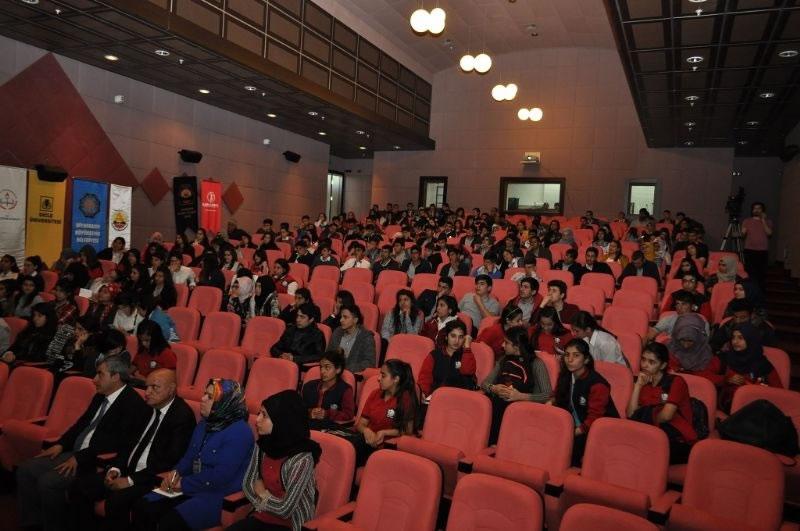 Genel Sekreterimiz Dr. Hasan Maral'dan Gençlere Girişimcilik Sunumu