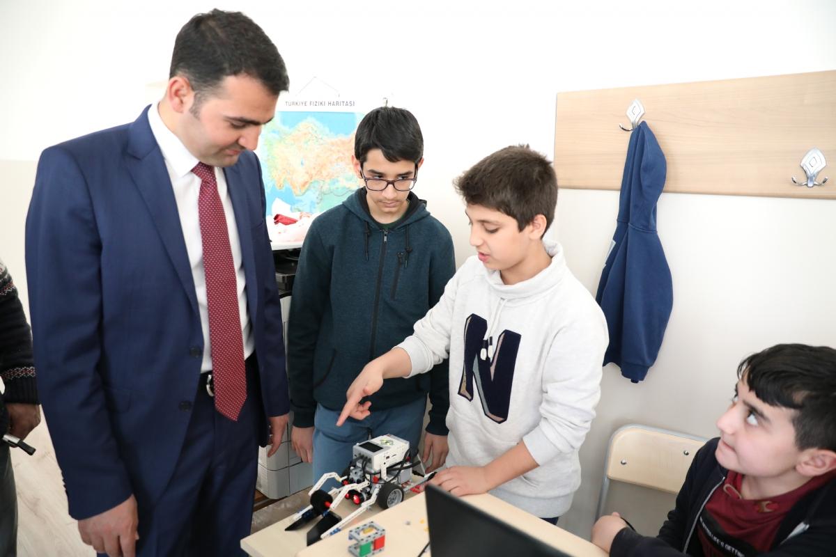 Diyarbakırlı Çocuklar, Kodlama Eğitimi ile Geleceği İnşa Ediyor